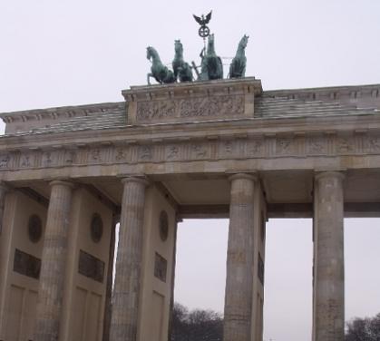 słynna brama w berlinie